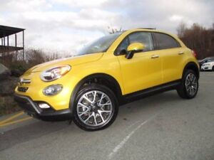 2017 Fiat 500 X Trekking (ALL WHEEL DRIVE, PANORAMIC ROOF, REVER