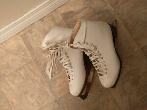 Skates for sale! Great condition, 45$ OBO