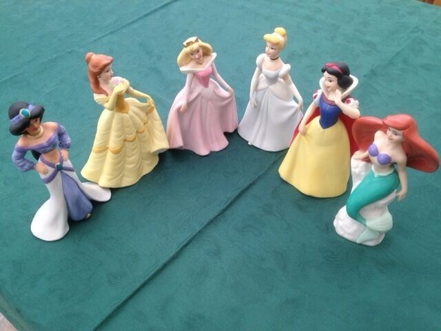 Disney porcelain princess figurinesin Fareham, HampshireGumtree - A collection of 6 famous Disney porcelain princess figurines from well known animated films. Each figurine is 6 inches (15 cm) tall, undamaged, has an opaque finish and is completely free of chips, cracks and colour fading having been kept in a...