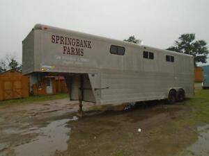 1989 4-Star Trailer Stock Horse Combo Gooseneck 26'