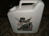 QUALITY FRENCH IPONE SYNTHETIC 10W40 MOTOR CYCLE OIL