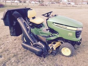 2013 John Deere X320 Lawn Tractor, Mint Condition 67.5 Hours
