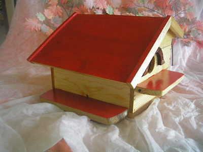 CASITA de madera para pájaros, artesanal, 40 cms. + regalo de cereales