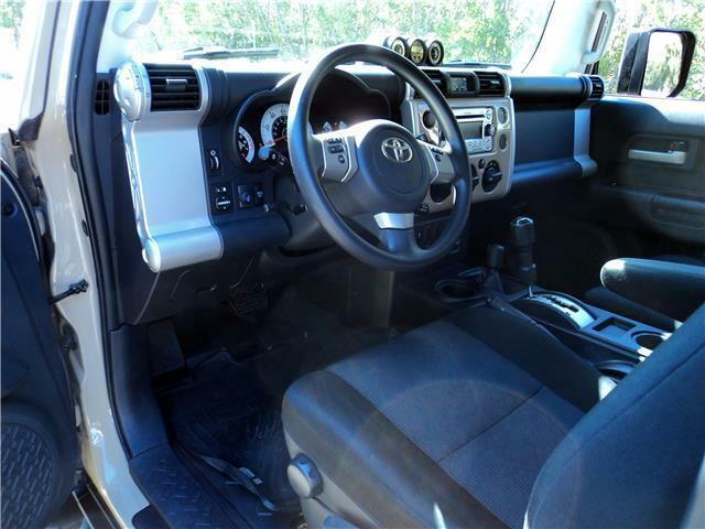 Image 12 Voiture American used Toyota FJ Cruiser 2013