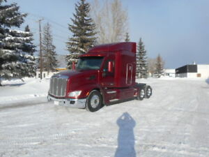 2013 Peterbilt 579 Tractor Extremely Clean