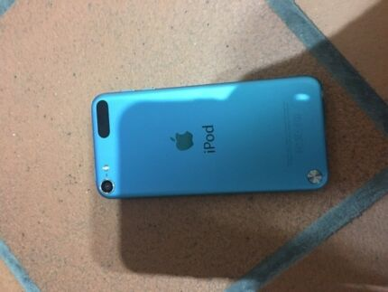 Apple iPod 5th gen really good condition