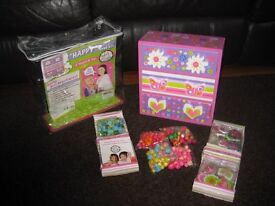 GIRLS JEWELLERY MAKING KIT