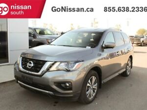 2017 Nissan Pathfinder SL, 4WD, LEATHER, HEATED SEATS, REAR VIEW