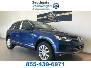 2017 Volkswagen Touareg Sportline | Leather | Power Lift Gate