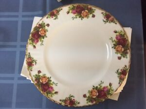 OLD COUNTRY ROSE ROYAL ALBERT CHINA FOR SALE