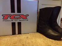 Men's motor bike boots size 8. £50 ono
