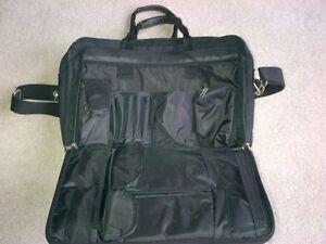 Jetliner Expandable Laptop Bag - Excellent Condition $20 London Ontario image 5