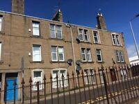Bright Two Bed Unfurnished Top Floor Flat in sought after location in Broughty Ferry - £550pcm