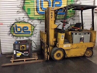 Caterpillar Electric Forklift Model M80b W48v Battery Charger- 8000lb Capacity