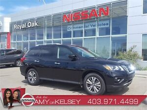 2017 Nissan Pathfinder SL 4WD **SAVE THOUSANDS*