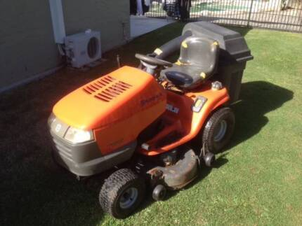 2004 Husqvarna Ride On Mower With Catcher Kit Pacific Pines Gold Coast City Preview