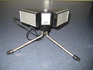 HOLLAND EL1979 STEREO DYNAMIC MICROPHONE WITH TRIPOD
