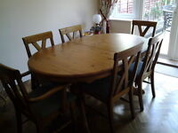 Dining room extendable table & chairs