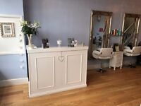 BE YOUR OWN BOSS *RENT A CHAIR OPPORTUNITY* NEWLY REFURBISHED SALON