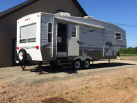 2003 spring dale 5th wheel for only 8900$