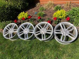 4 Jantes de roue 17 pouces à vendre