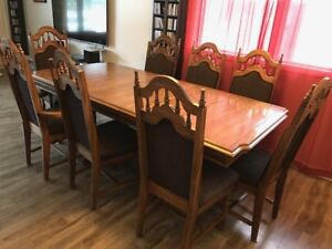 Dining room table and 8 regal chairs