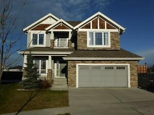 Gorgeous 4 Bdrm Family Home on Huge Pie Lot!!