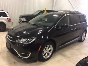 2017 Chrysler Pacifica Touring-L Plus*MAGS*DVD*8 PASS*BANCS CHAU
