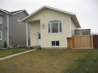 NEW LISTING - CLAIRMONT - IMMEDIATE POSSESSION