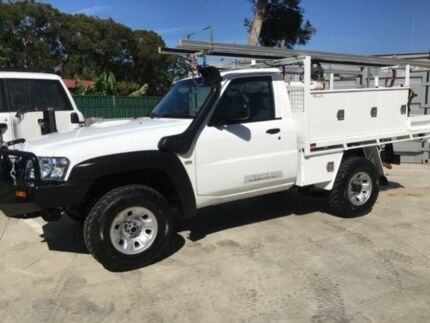 2014 Nissan Patrol MY14 DX (4x4) White 5 Speed Manual Leaf Cab Chassis Tuncurry Great Lakes Area Preview