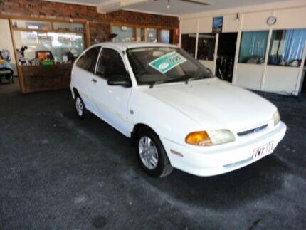 1996 Ford Festiva WB Trio White 3 Speed Automatic Hatchback
