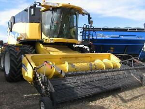 2013 NEW HOLLAND CX8090 COMBINE