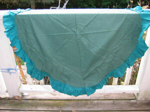 Dark green satin cotton circular table cloth- $3 Belleville Belleville Area image 1