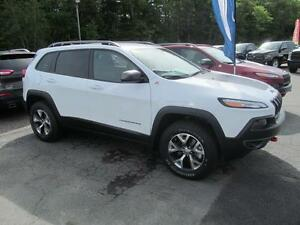 2016 Jeep Cherokee Trailhawk - Leather