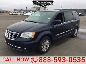2016 Chrysler Town & Country TOURING-L Leather,  Back-up Cam,  B
