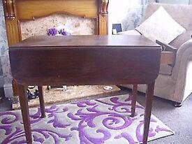 antique mahogany pembrook table