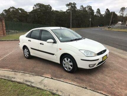 2003 Ford Focus LR CL White 4 Speed Automatic Sedan