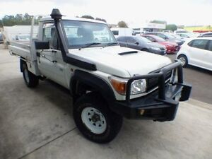 2009 Toyota Landcruiser VDJ79R 09 Upgrade Workmate (4x4) White 5 Speed Manual Cab Chassis Devonport Devonport Area Preview
