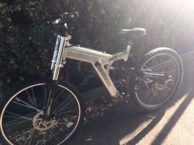 Mountain Bike - Shockwave XT975
