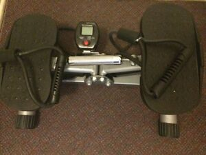 Mini stepper with resistance