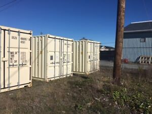 Like new 20' and 40' shipping containers for sale