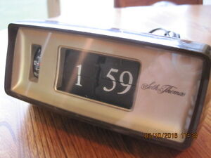 Vtg Seth Thomas Flipping Numbers Electric Alarm Clock WORKS