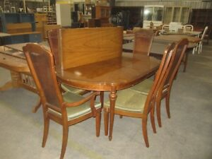 Table & chairs - 6905O