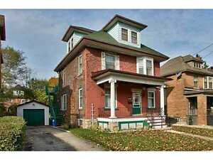 Bright Spacious Upper 2 Floors in Duplex