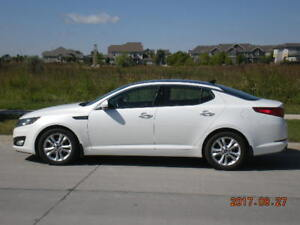 REDUCED 2011 Kia Optima EX/Extended Warranty included!!
