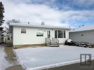 Well Cared for 2+1 BR bungalow in Shoal Lake, MB
