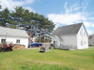 Maison avec 5 chambres et garage Lac-Saint-Jean Saguenay-Lac-Saint-Jean image 2