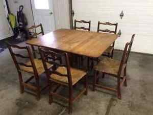 Colonial maple buy and sell furniture in ontario for Table 6 chaises kijiji