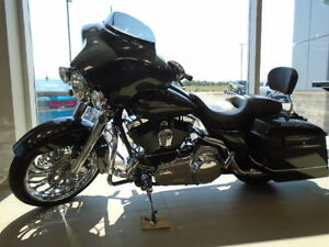 Harley Davidson - Street Glide, CRUISE CONTROL, MINT CONDITION!
