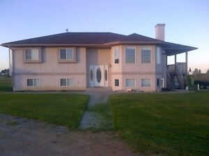 SHORT OR LONGTERM STAYS WELCOME! ACREAGE LIVING WITH GREAT VIEWS